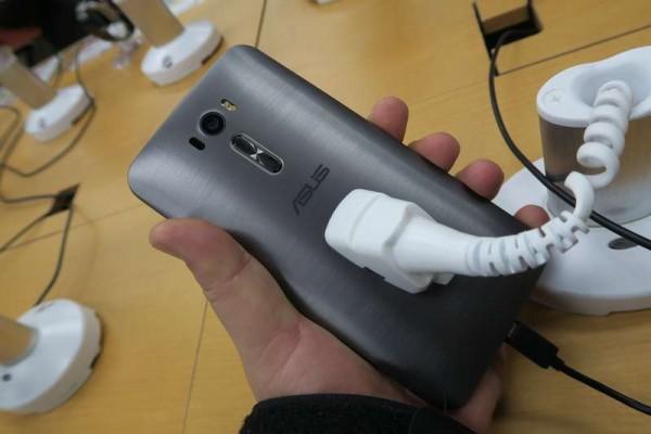 ZenFone2Laser6インチモデル