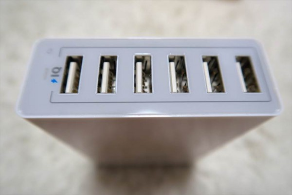 Anker 60W 6ポート USB急速充電器【PowerIQ搭載】 (ホワイト) A2123522