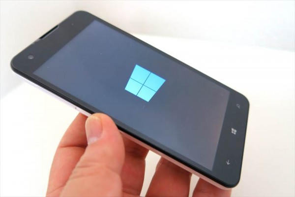 Windows10 mobile スマホ「MADOSMA」