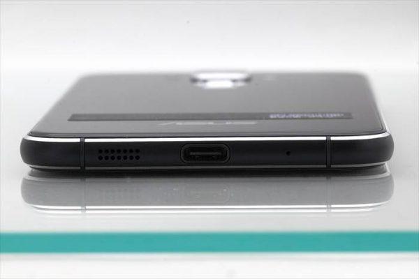 ASUS ZenFone3(ZE520KL)