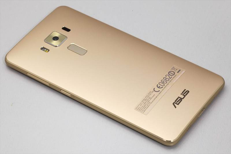 ZenFone3 Deluxe 5.7インチモデル